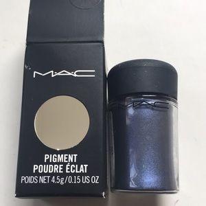 MAC Cosmetics Pigment in Naval Blue